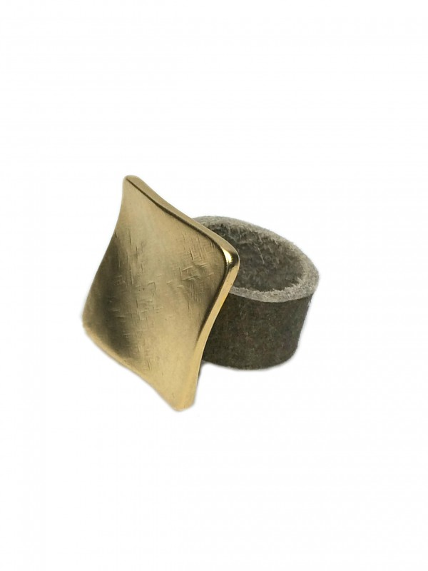 leather ring golden square